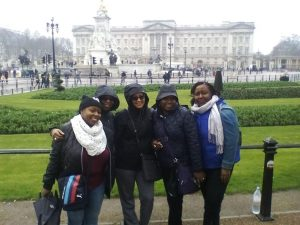 Evelyn & Girls on Tour