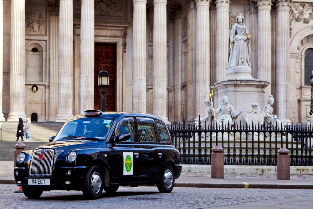 black-taxi-parked-at-st-pauls-cathedral-london