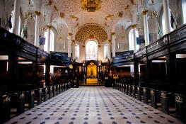 sights-at-St-Clement-Danes-london (15)