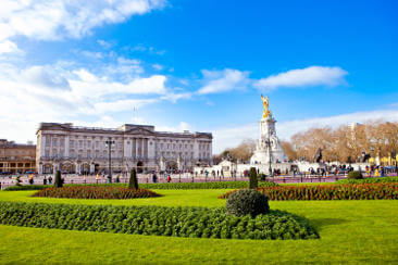 sights-at-buckingham-palace-london-2