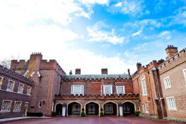 sights-at-st-james-palace-london (7)