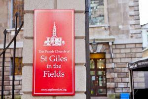 sights-at-St-Giles-Church-london (3)