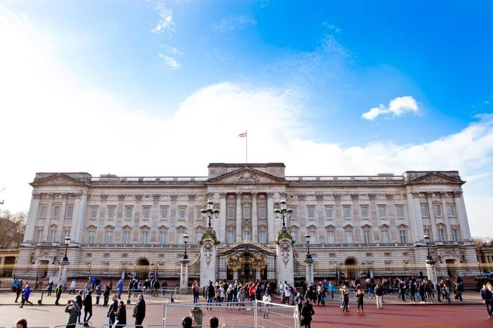 sights-at-buckingham-palace-london (16)