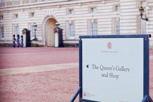 sights-at-buckingham-palace-london (20)