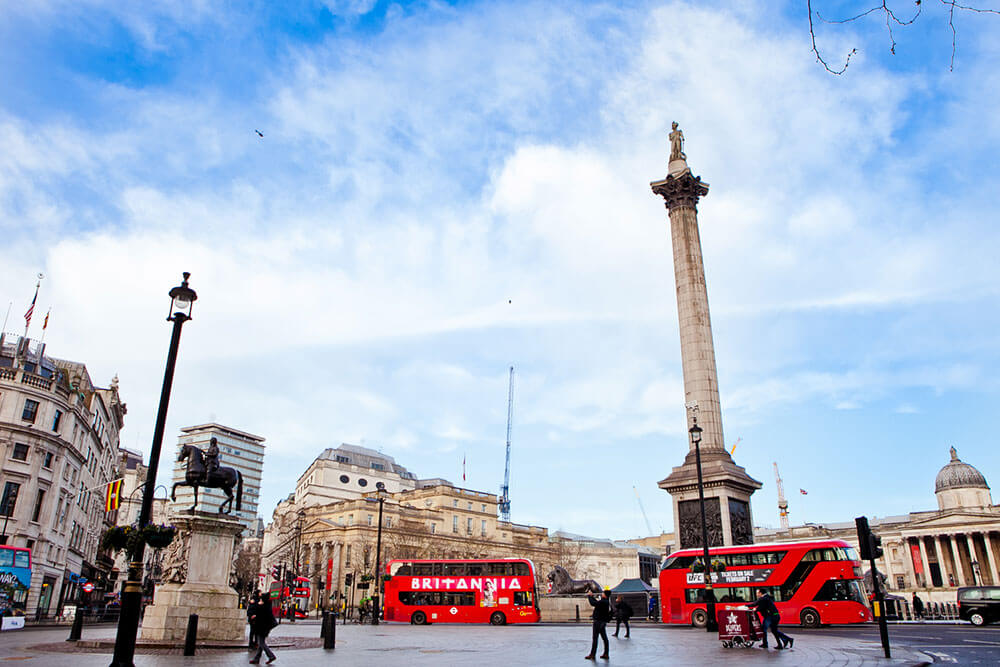 sights-at-trafalgar-square-london